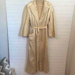Vintage Hollywood Regency Pin Up Gold Quilted Robe